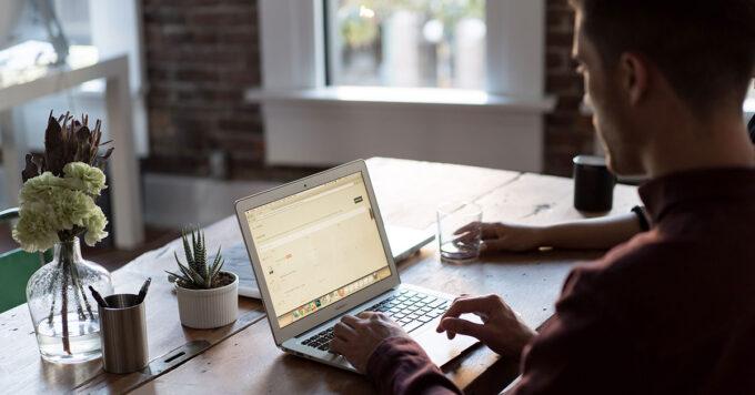 Πώς να αξιοποιήσεις το Facebook για να αναπτύξεις το Eshop σου